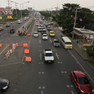 タイで車の運転をする。3つのルールを知れば、意外と安全。
