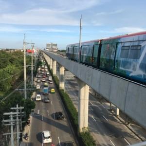 タイのBTS(都市鉄道網・モノレール)グリーラインが完成した。開通2日目に終着駅クーコット迄試乗してみた。